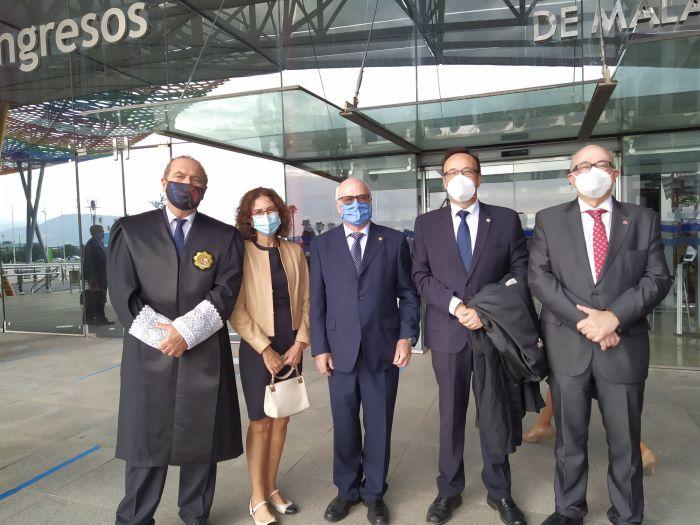 Alejandro Pestaña asistió a la toma de posesión del nuevo decano del Colegio de Abogados.
