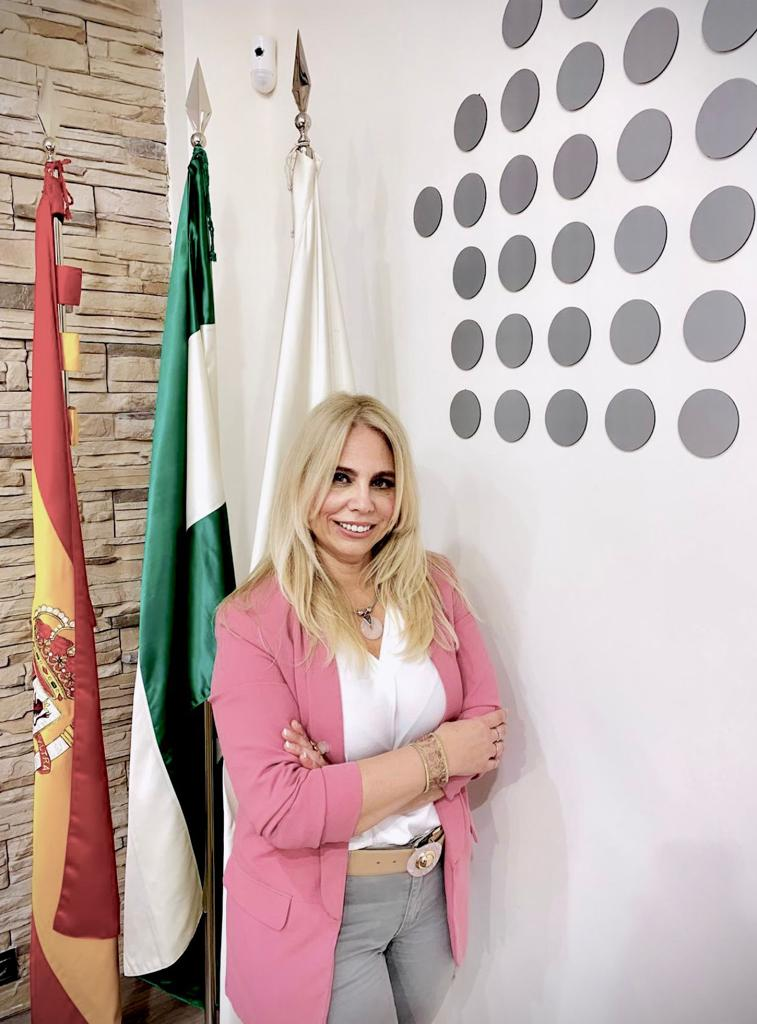 Dña. Marjoleine Miranda García