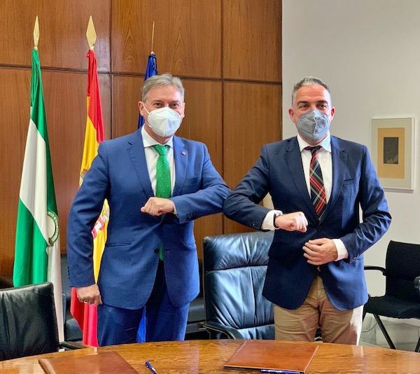 El Consejo Andaluz de Colegios de Administradores de Fincas firma un protocolo de colaboración con la Junta de Andalucía